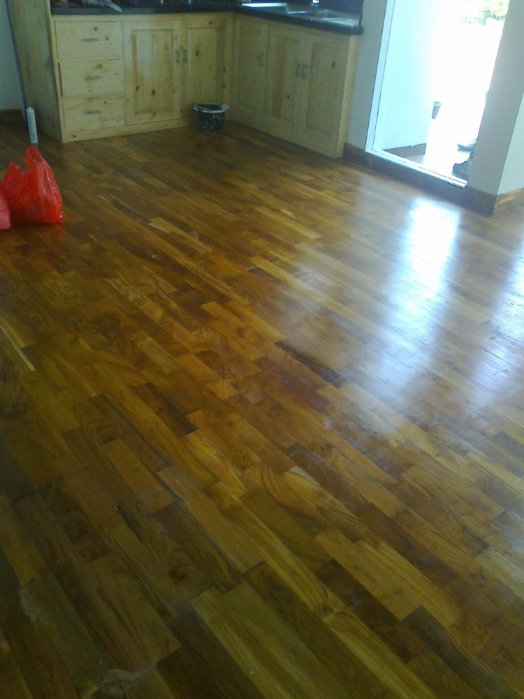 Contoh terpasang lantai kayu Jati mini flooring kw1