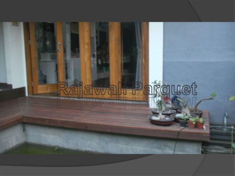 Aplikasi decking kayu besi Sulawesi