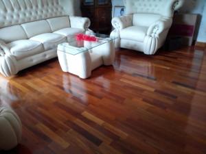 Pemasangan lantai kayu Merbau didalam rumah