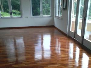 jati lantai kayu