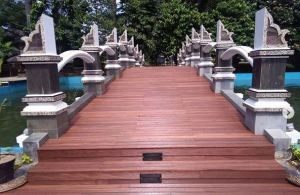 decking outdoor kayu