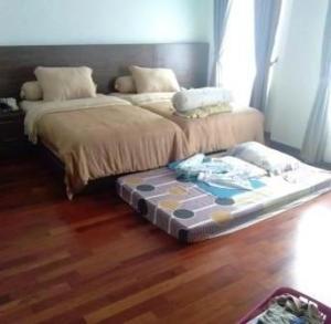lantai kayu binjai