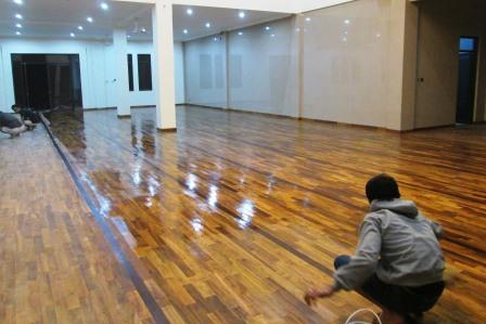 lantai kayu solid manado