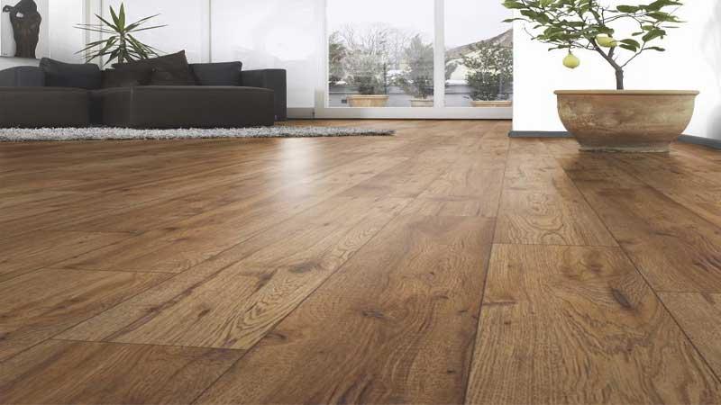 harga lantai motif kayu terbaru 2021